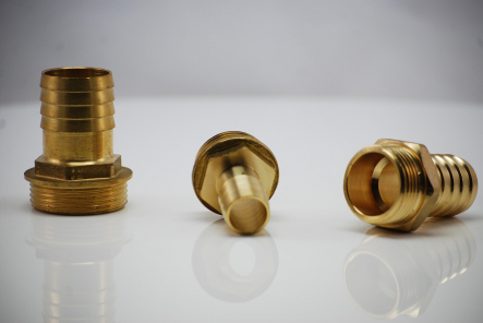 Brass hose nozzle with external thread