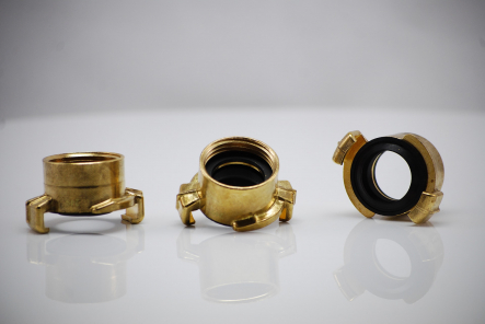 Brass quick coupling with internal thread