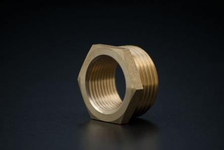 Brass Reducing Piece - 1 x 1/2 Inch / M x F
