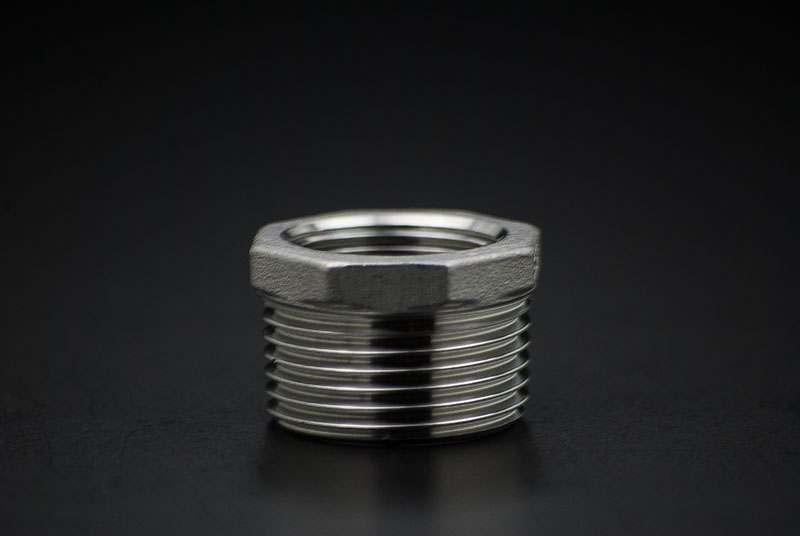 Stainless Steel Reduce Piece - 1 x 1/2 Inch / Male Thread x Female Thread