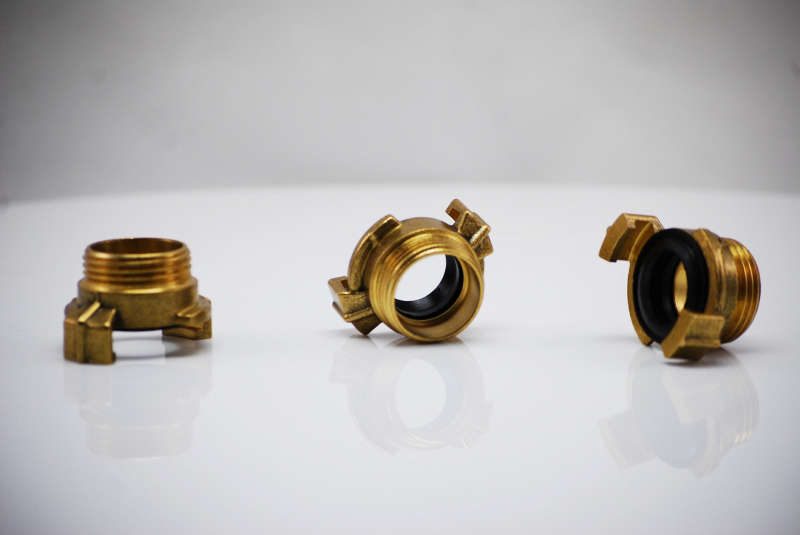 Brass quick coupling with external thread