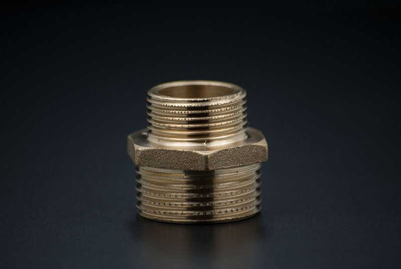 Brass Reducing Nipple - 3/4 x 1/2 Inch / MxM