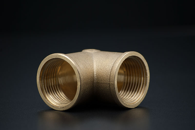 Brass Elbow 90 degree - 1 1/2 Inch / FxF